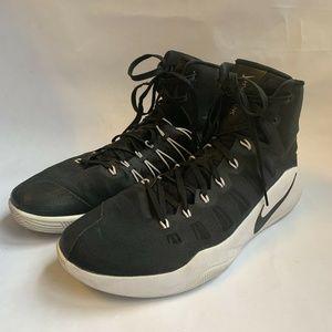 Nike Hyperdunk 2016 TB Basketball Shoe 856483-001